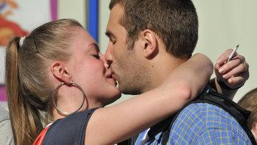 para-ishet-parnya-novosibirsk-domashnee-porno-zhenskiy-orgazm