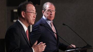 Генеральный секретарь ООН Пан Ги Мун (слева) и министр иностранных дел РФ Сергей Лавров. Архивное фото
