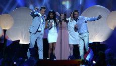 Дина Гарипова выступает в финале международного конкурса песни Евровидение-2013