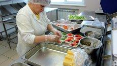 Как готовят еду для авиапассажиров - цех бортового питания в новосибирском аэропорту Толмачево