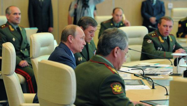 В.Путин посетил центральный командный пункт Вооружённых Сил РФ