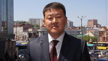 Директор медцентра ДВФУ Олег Пак