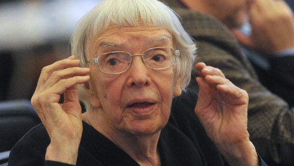 Людмила Алексеева. Архивное фото