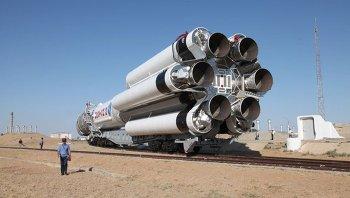 Ракета-носитель Протон-М упала при старте с Байконура