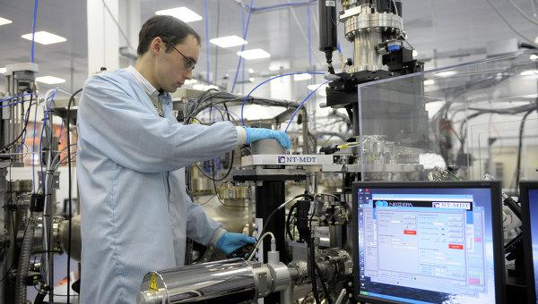 Платформа нанотехнологических комплексов Нанофаб-100, архивное фото