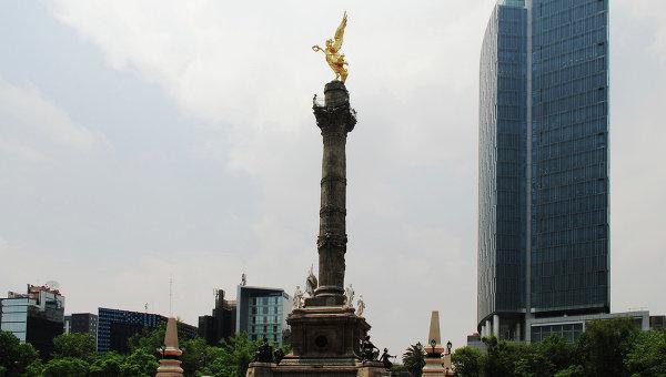 Скульптура Ангел Независимости в Мехико, архивное фото