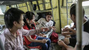 Палаточный лагерь для нелегальных мигрантов