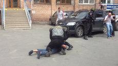 ОМОН задержал лидера дагестанской диаспоры в центре Владивостока
