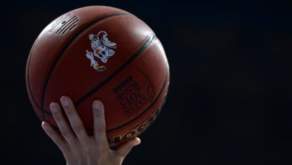 Баскетбольный мяч. Архивное фото