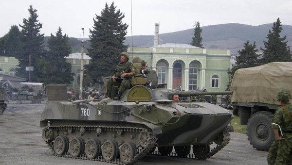 Российские военнослужащие в Цхинвали