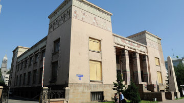 Старейший музей Красноярска ремонтируют из-за угрозы обвала фасада