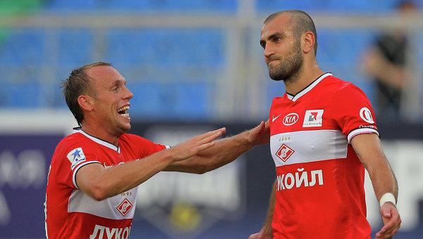 Игроки Спартака Денис Глушаков (слева) и Юра Мовсисян. Архивное фото