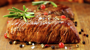 Мясо на гриле. Архивное фото