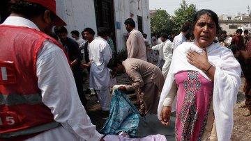 Взрыв прогремел у церкви в Пешаваре. Фото с места события