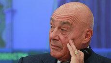 Телеведущий Владимир Познер. Архивное Фото.