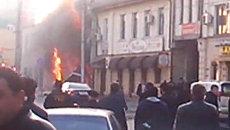 Первые кадры с места взрыва у магазина в центре Махачкалы