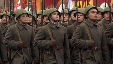 Парад, как в 1941 году: бойцы Красной армии и танки на марше у Кремля