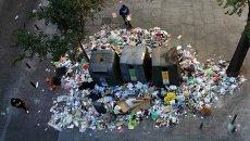 Груды мусора на улицах Мадрида