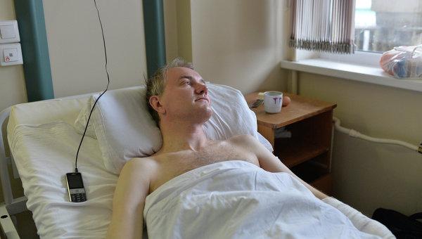 Олег Шейн в палате НИИ скорой помощи им. Склифосовского. Фото с места события