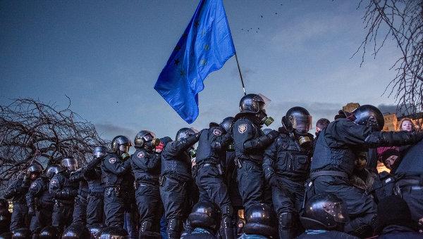 Сотрудники спецподразделения Беркут МВД Украины на Майдане в Киеве. Архивное фото