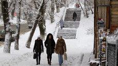 Горожане на улице Томска