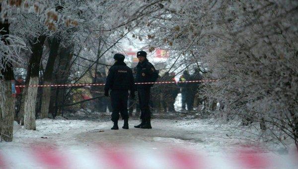 Полиция на месте взрыва в троллейбусе в Волгограде, фото с места события