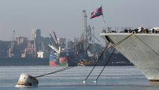 Январский мороз во Владивостоке: корабли ТОФ в бухте Золотой Рог потихоньку вмерзают в лед.