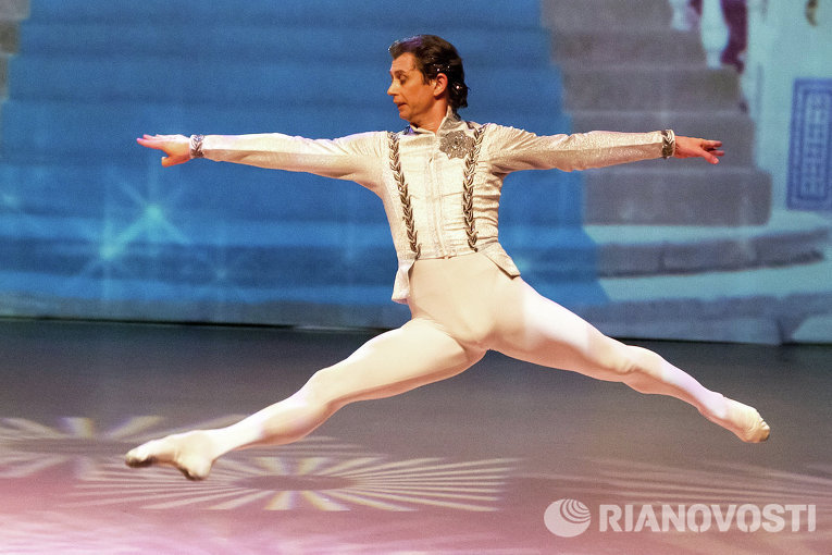 Балет Петра Чайковского Щелкунчик с эффектами 3D в Томске