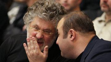 Бизнесмен Игорь Коломойский (слева)