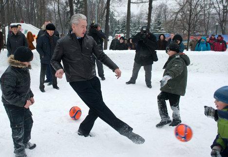 Мэр Москвы Сергей Собянин посетил Фестиваль снега и льда