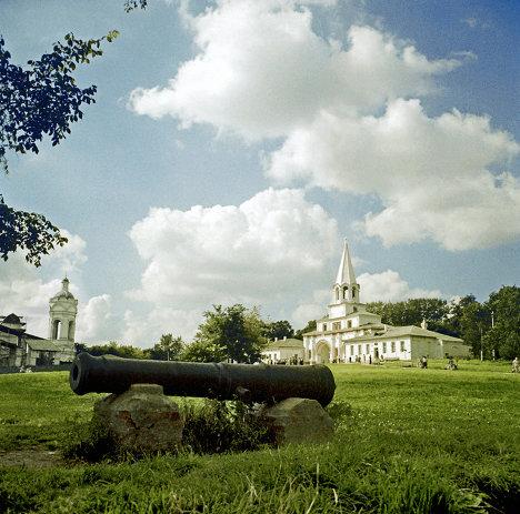 На территории музея-заповедника Коломенское