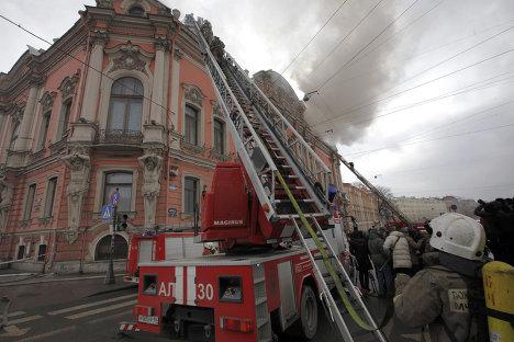 Пожар во дворце Белосельских-Белозерских в Санкт-Петербурге