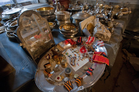 Клад, найденный при реставрации особняка в Санкт-Петербурге