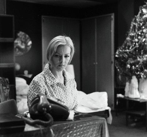 Брыльска во время съемок фильма Ирония судьбы, или с легким паром