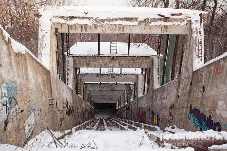 Эскалаторная галерея на Воробьевых горах