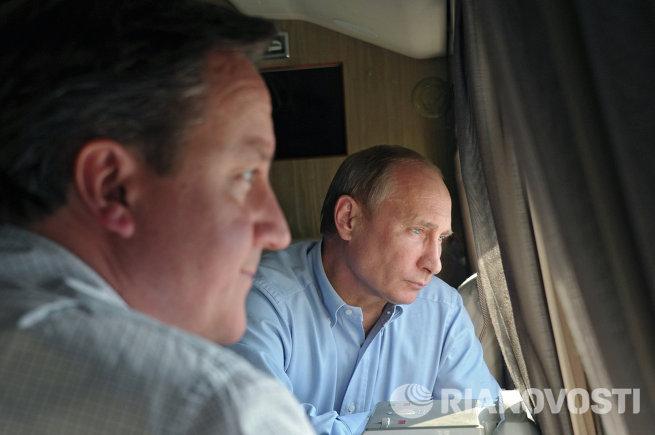 В.Путин и Д.Кэмерон осмотрели на вертолете объекты Олимпиады