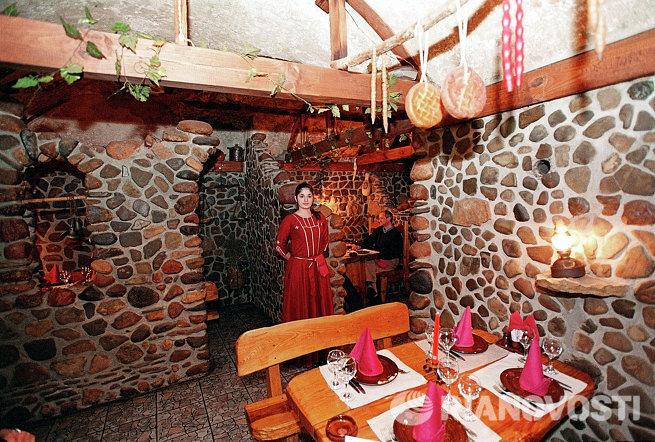 В грузинском ресторане Генацвале