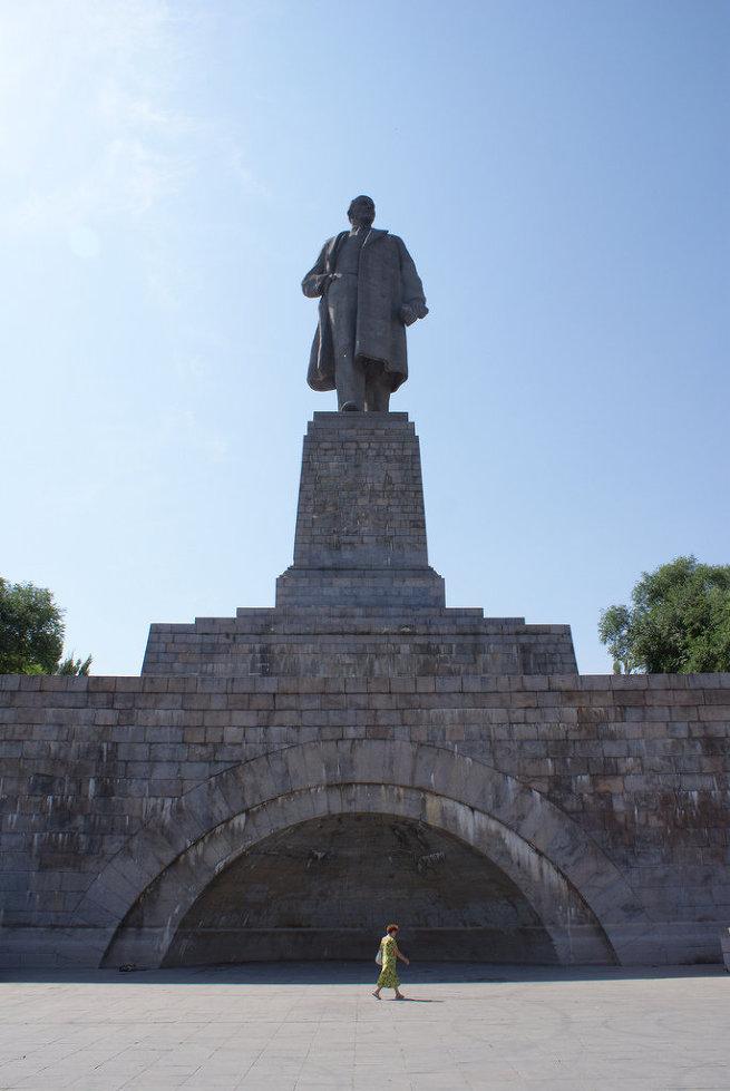 Cтатуя Ленина