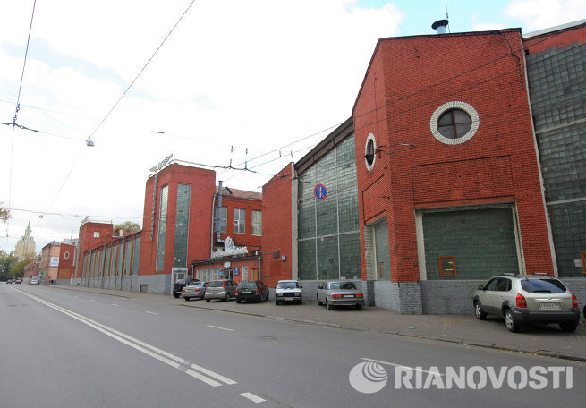 Бывший автобусный парк №4 в Москве, известный как гараж Мельникова на Новорязанской улице