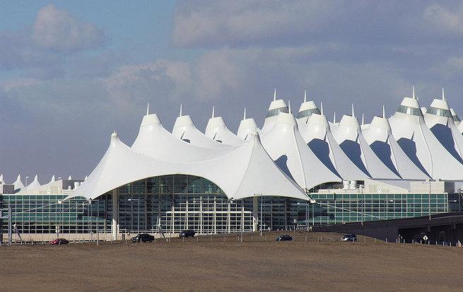 Оригинальное здание аэровокзала в Денвере