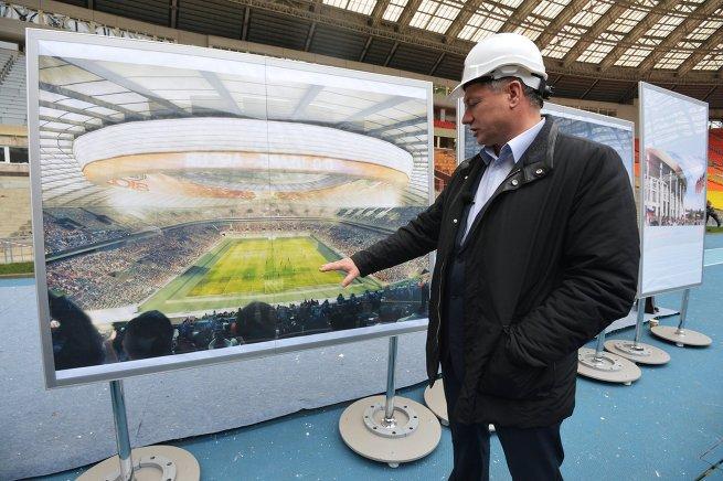 Реконструкция стадиона Лужники к ЧМ-2018 по футболу хуснуллин