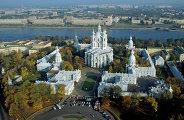 Смольный монастырь в Санкт-Петербурге