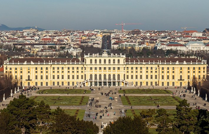 Дворец династии Габсбургов Шёнбрунн
