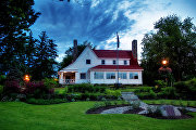Дом в Биконсфилде (Канада)