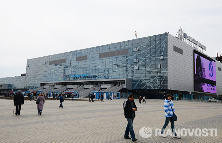 Планируется создание фан-зоны напротив ледового дворца, оснащенного самым современным в Москве медиафасадом высокого разрешения площадью около 900 кв. м.