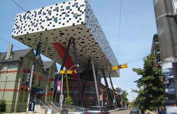 Здание академии дизайна и технологий OCAD