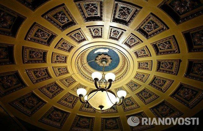 Интерьер доходного дома Сусловых в Москве