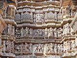 Скульптурные группы на храмах Каджурахо