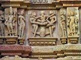 Эротические мотивы на храмах Каджурахо