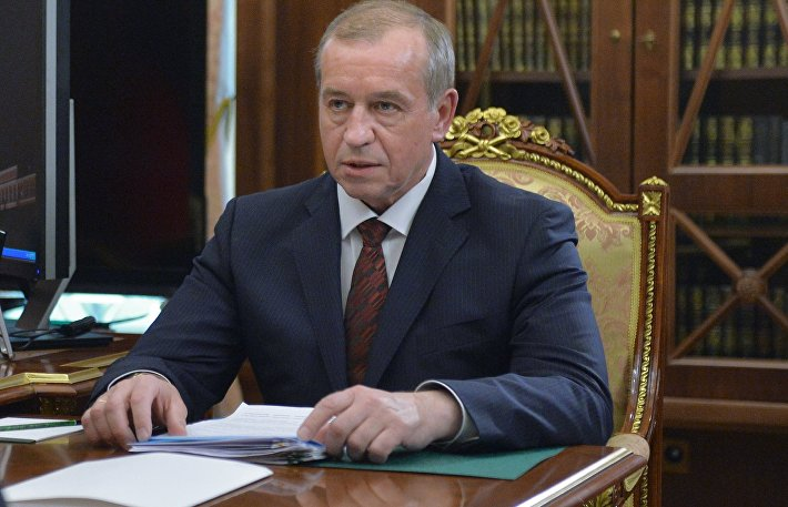 Президент РФ В. Путин встретился с губернатором Иркутской области С. Левченко
